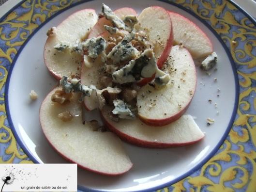 salade de pommes rouges, noix & roquefort
